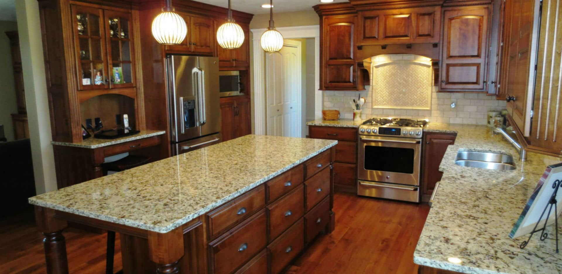No 1 Amish Cabinets In Peoria Il Cherrytree Kitchens